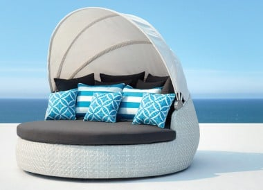 Rotating Outdoor Daybed White