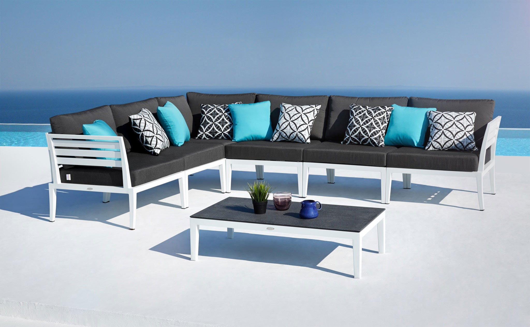 modern outdoor lounge furniture set joins oceanweave collection. Black Bedroom Furniture Sets. Home Design Ideas