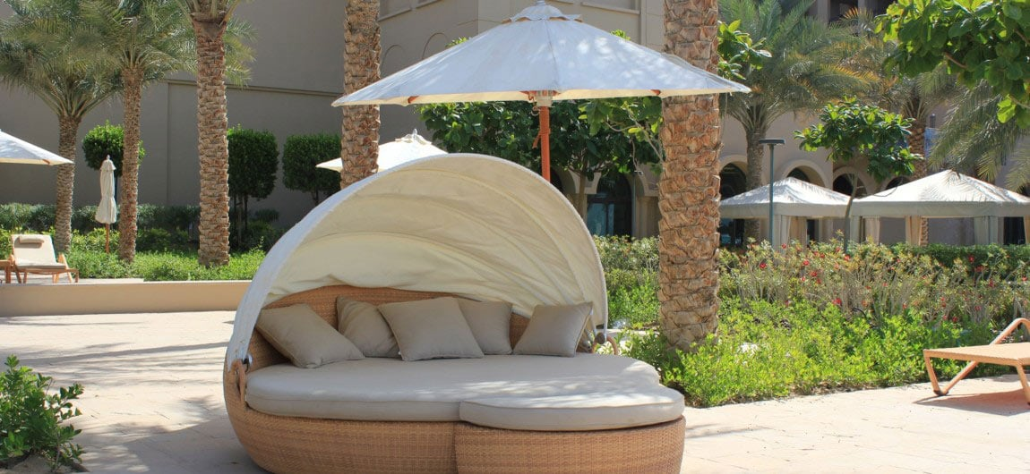 Outdoor daybed nz for Quality garden furniture