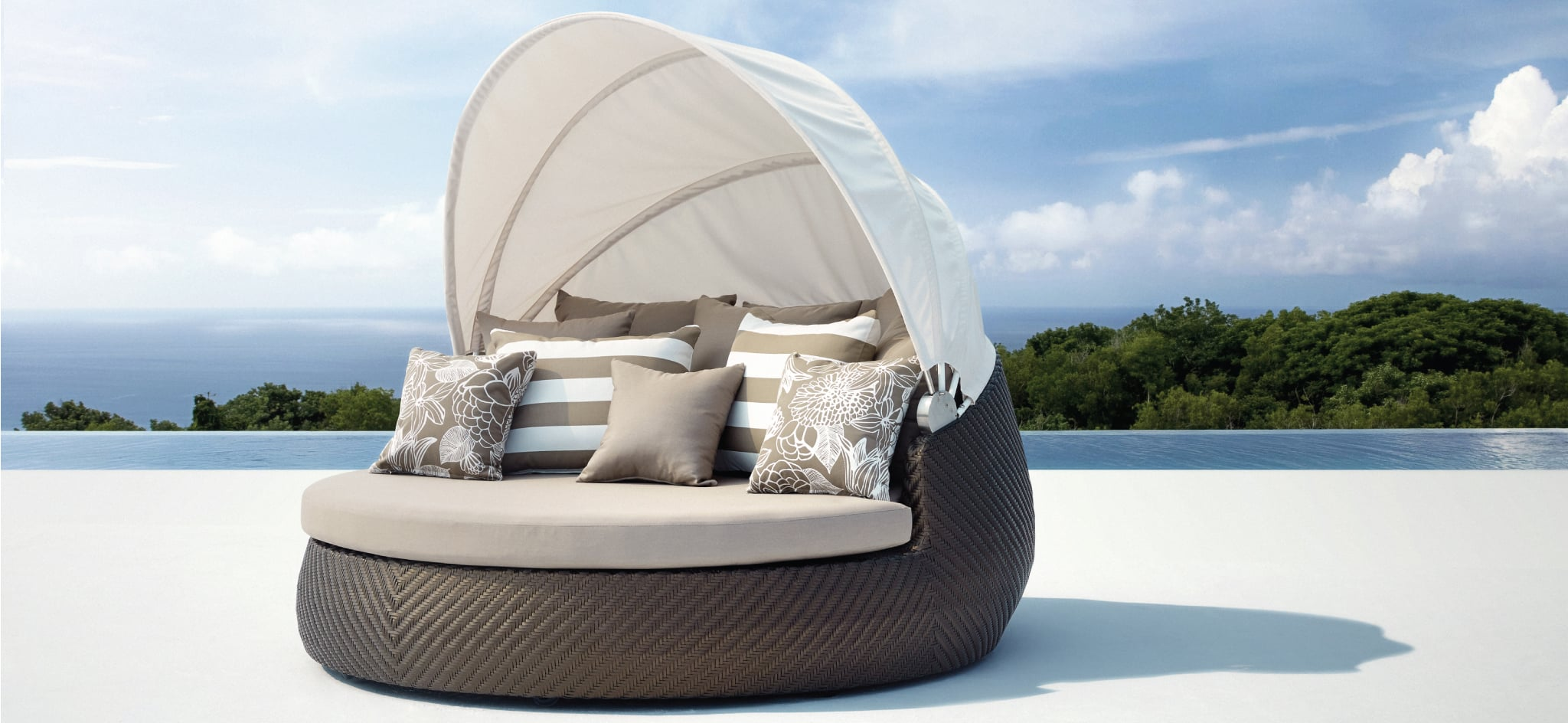 Rotating Outdoor Daybed Bronze