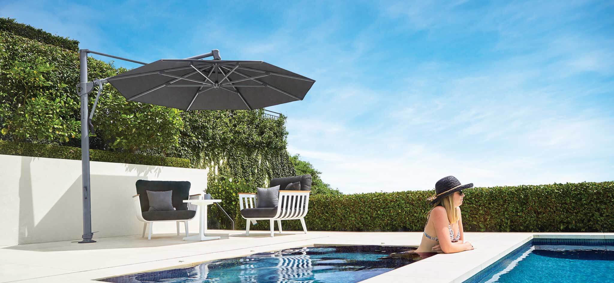Outdoor White Pool Furniture