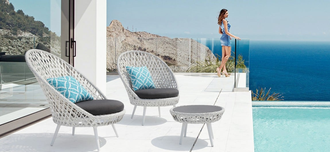 Siena White Wicker Outdoor Lounge Chair