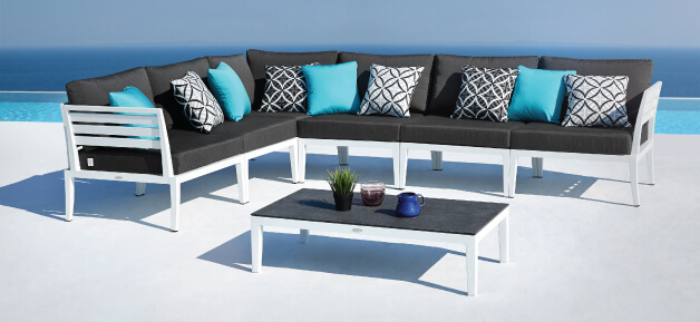 Outdoor White Lounge Furniture