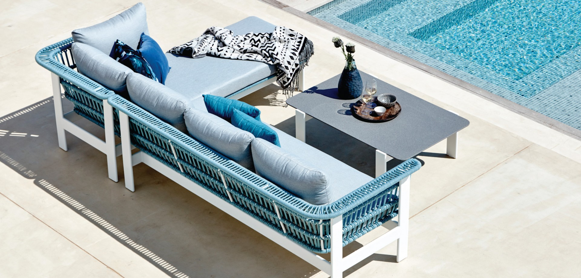 Valencia Outdoor Lounge Set