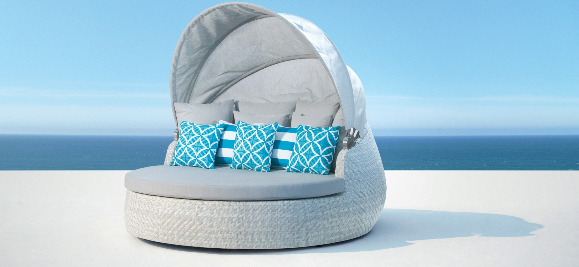 Outdoor White Daybed